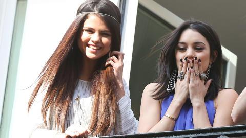 - FANTASTISK MULIGHET: Selena Gomez og Vanessa Hudgens er forn�yde med � ha f�tt spille i �Spring Breakers�. Foto: Stella Pictures