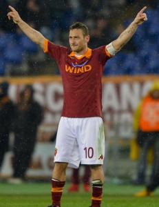 Totti pner for landslags-comeback