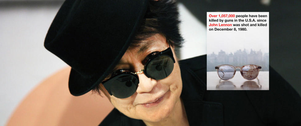 Yoko Ono (80) tvitret bilde av Lennons blodige briller