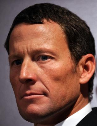 Armstrong testet positivt fire ganger det frste ret han vant Tour de France