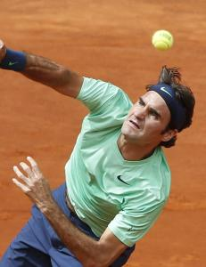 Federer tilbake med seier