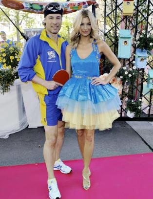 Dette kledde kjendisene seg opp i p� luksusfest