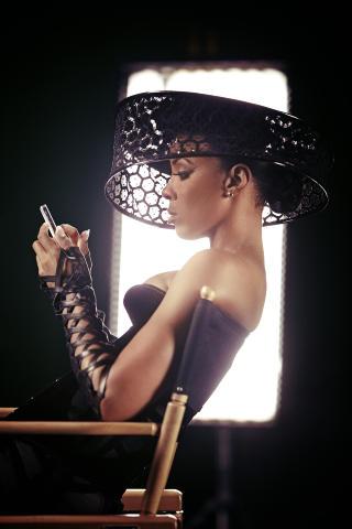 Stjerneskryt: Kelly Rowland skryter uhemmet av Madcon-gutta. Foto: Sony music