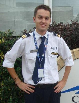 �Baby-piloten� Ryan er bare 19 �r og skal fly for Ryanair