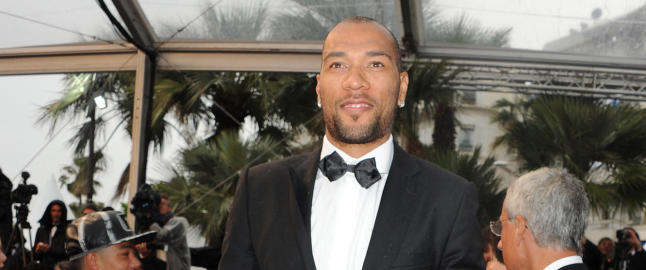 Hva i all verden gj�r John Carew her?