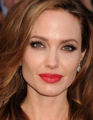 Angelina Jolies tante d�de av brystkreft