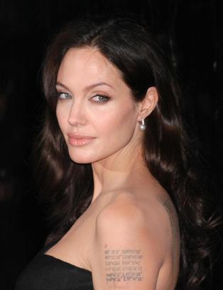 Gift tobarnsfar glemte sitt eget navn da Angelina Jolie kysset ham