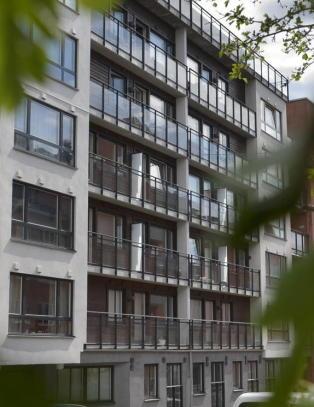 Voldtektssiktet norgesmester mishandlet kona i �revis