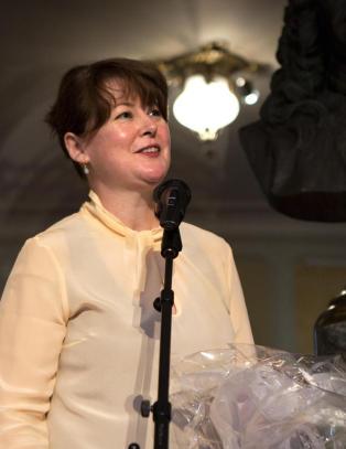 Hanne T�mta fortsetter som teatersjef p� Nationaltheatret