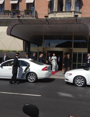 Her er de p� vei til seremonien
