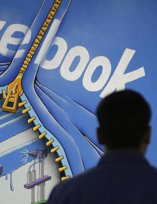 22-�ring fant stort sikkerhetshull p� Facebook