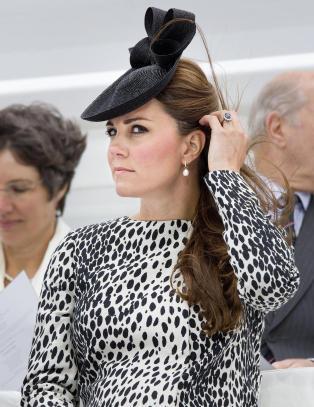 - Gravide hertuginne Kate hastekj�rt til London