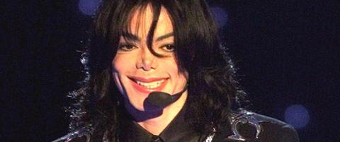 Michael Jackson er ikke d�d. Han spiller fotball i Brasil