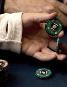 Regjeringen gj�r hjemme-poker lovlig