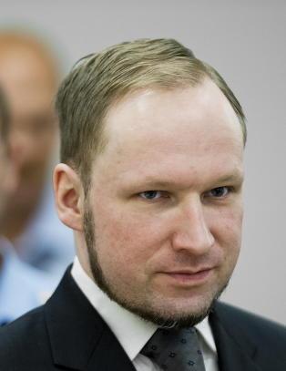 Breivik truer med � sultestreike hvis han ikke f�r Playstation 3