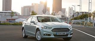HYBRID-MONDEO: En hybrid Ford Mondeo er det nok mange som kan tenke seg. Foto: Ford