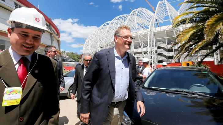 P� BES�K:  FIFA's generalsekret�r Jerome Valcke er denne uka p� bes�k i Brasil for � inspisere VM-anleggene. FOto: Jefferson Bernardes / AFP / NTB Scanpix