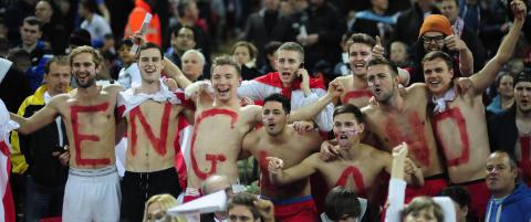 - Galskap � gi Polen 18 000 billetter til Wembley