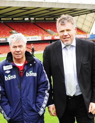 Etter noen �fryktelige dager for Fotball-Norge�, dro NFF-toppene i dag hjem til Drillo