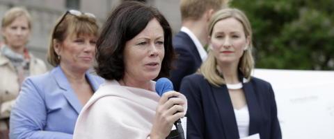- Hvis vi f�r en homohater som likestillingsminister, f�r regjeringen et problem