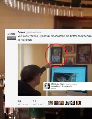 Ser du hvem �Derek� peker opp p� her?