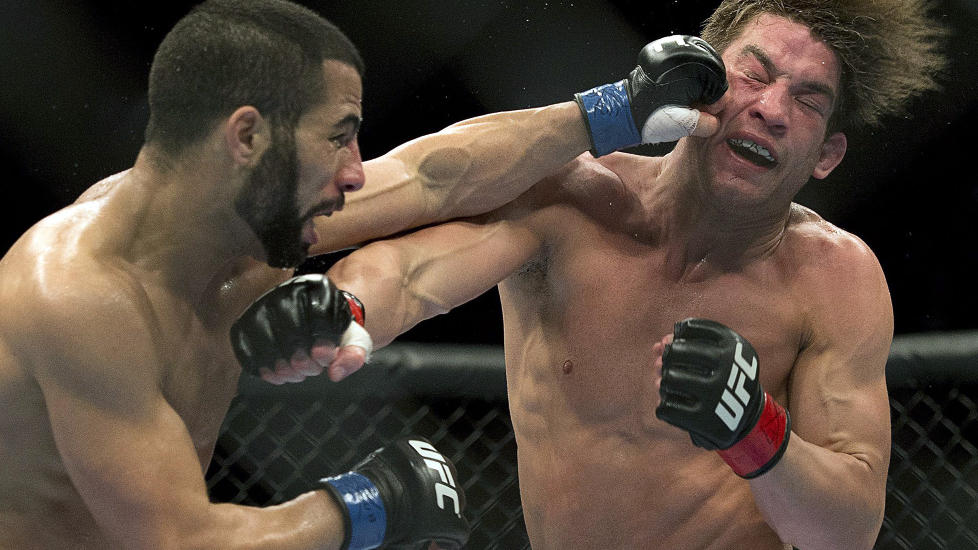 NYTT PROGRAM: TV 2 satser stort med sitt nye MMA-program. Det reagerer Idrettsforbundet p�.Foto: AP Photo/ Ryan Remirorz/NTB Scanpix.