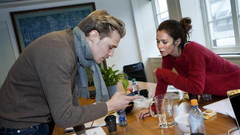 UTVEKSLER INFO: Etter et kort m�te, som inkluderte intervju med Dagbladet, utvekslet Anna Friel og Espen Klouman H�iner telefonnummer og epostadresser.