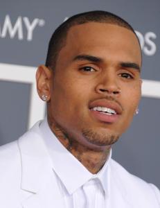 Chris Brown (24) er arrestert for overfall
