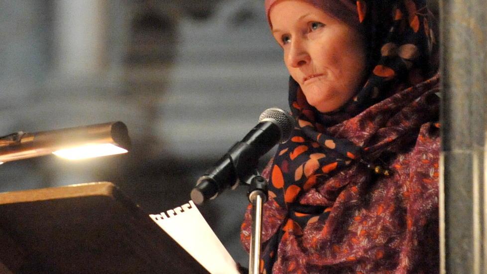 VIL ANMELDE:  Jorunn Jasmin M. Oksvold sier hun og flere andre muslimer vil anmelde Lars Akerhaug etter at hun mener hun er blitt feilaktig framstilt som en som ønsker krig i hans bok. Arkivfoto: Ned Alley / NTB scanpix
