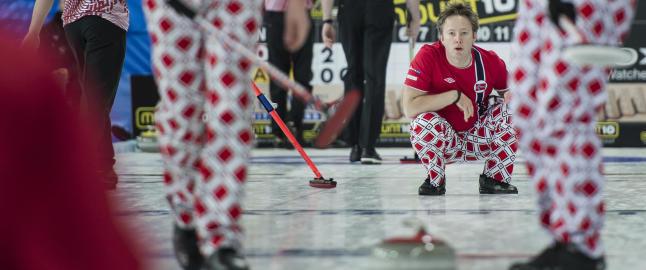 Perfekt �pning for curlinggutta i EM