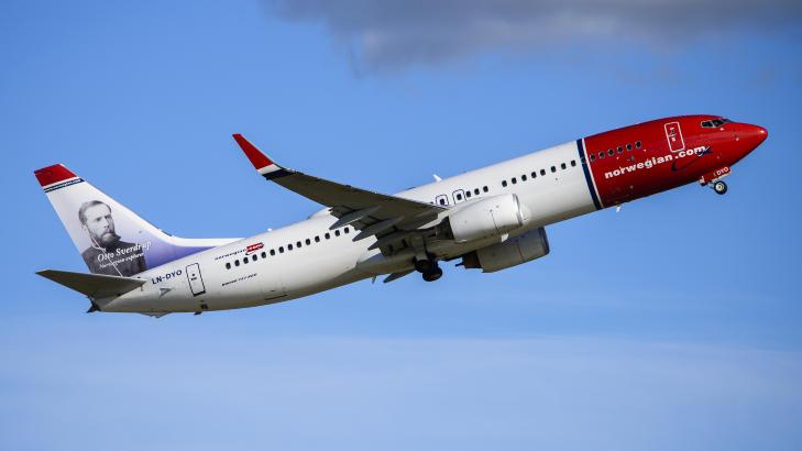 NYE RUTINER: Den svært alvorlige nestenulykken med en Boeing 737-800 maskin fra Norwegian, har fått flyfabrikken til å innføre nye rutiner når flyene skal avisen. Foto: NORWEGIAN