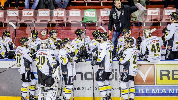 I FORM: Stavanger Oilers-spillerne ligger p� andreplass i Get-ligaen og valgte nye treningsmetoder i dag.   Foto: Stian Lysberg Solum / NTB scanpix