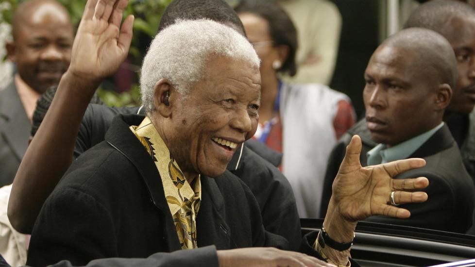DØD: Nelson Mandela er død, kunngjorde Sør-Afrikas president Jacob Zuma nettopp. Her fra 2009. Foto: SIPHIWE SIBEKO / REUTERS / NTB SCANPIX
