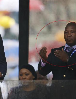 Ingen vet hvem �tegnspr�ktolken� ved siden av Obama er