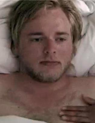 Tore Sagen dreper prostituert i ukjent musikkvideo