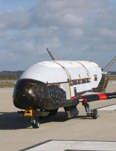 Mystisk romfart�y har reist ett �r i bane rundt jorda