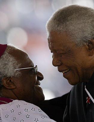 Desmond Tutu ikke invitert i Nelson Mandelas begravelse