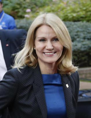 �En fl�rtende blondine� med �sexy garderobe�
