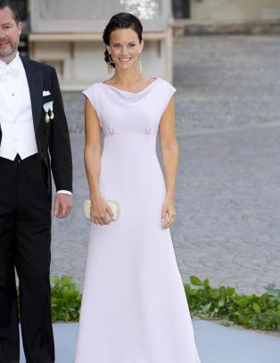 Prins Carl Philips kj�reste snakker ut om nakenbildene og �Paradise�-deltakelsen