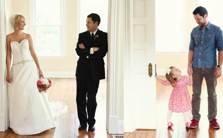 HJERTEKNUSER:Lille Olivia fyller mammas plass på det gamle brudebildet. Foto: Melanie Pace, loft3pdPhotography