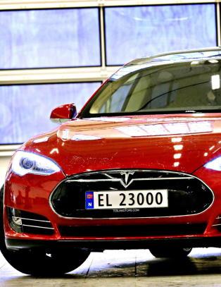 Igjen er Tesla den stygge ulven