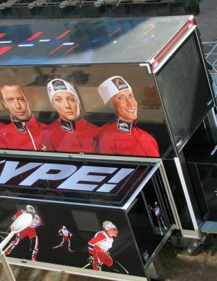 Den norske sm�rebussen allerede p� plass i Falun: - Det der ser ikke bra ut