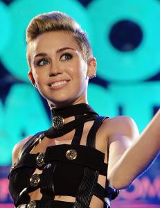 Fansen raser etter Mileys onani-video