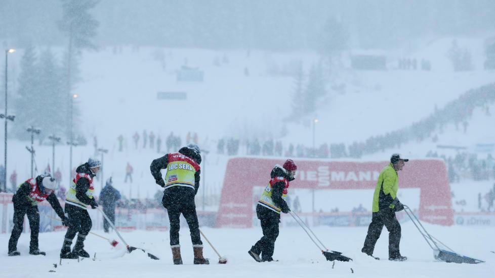 NOK SNØ: Lillehammer bli arrangør for NM i langrenn etter at Molde i dag måtte gi opp på grunn av snømangel. Her fra verdenscupen i Lillehammer i desember. Foto: Håkon Mosvold Larsen / NTB Scanpix
