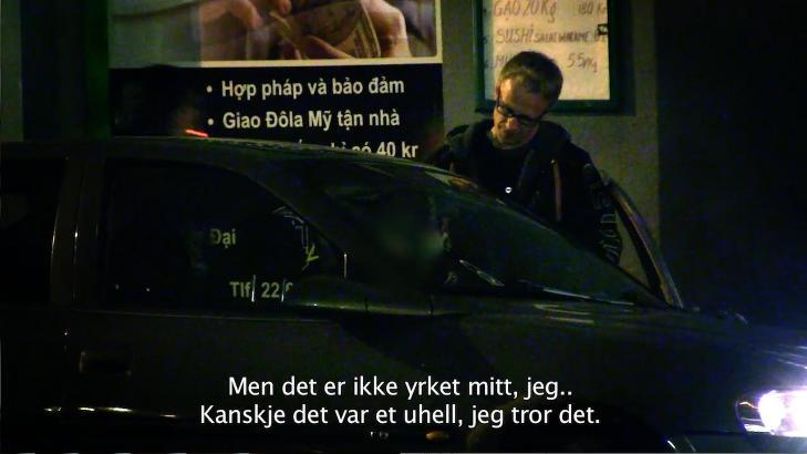 SPRIT-TAXI: Insider-programleder Stein Morten Lier intervjuer en polakk som kjører «sprit-taxi» i Oslo. Ungdommer langt under 18 år kan ringe et nummer og få levert vodka til langt under polpris, kommer det fram i programmet.