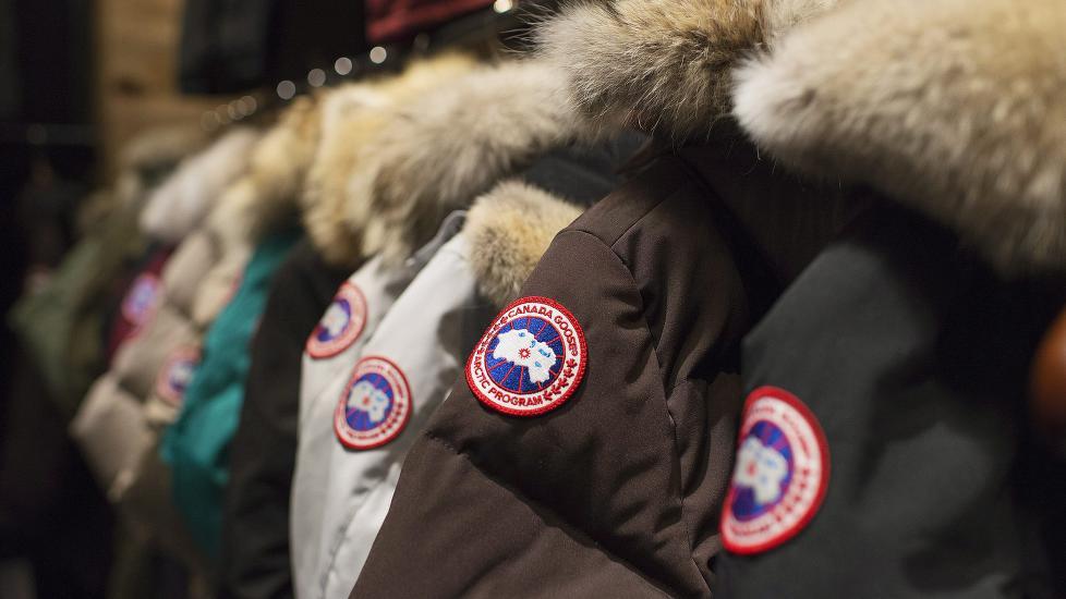 POPULÆR JAKKE:Canada Goose-jakka er et populært plagg i Norge, særlig blant ungdom. Foto: AP Photo/The Canadian Press, Aaron Vincent Elkaim