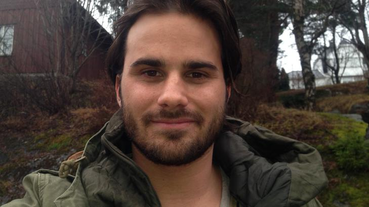 TI �R SENERE:  I dag er Michael Hansson en 23 �r gammel �konomistudent. Han vokste opp i Oslo, men er n� bosatt i Bergen. Foto: Privat
