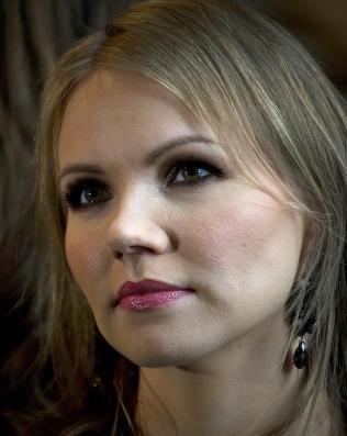 Lene Marlin i Aftenposten-kronikk: -Jeg pr�vde � ta mitt eget liv