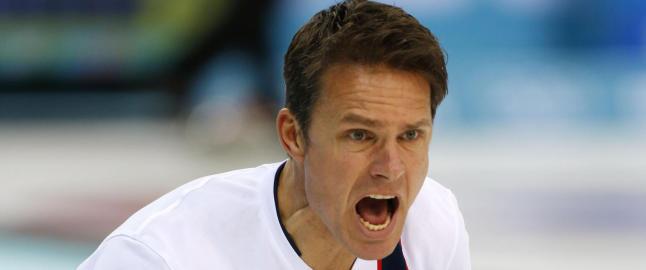 De norske curlinggutta vant overbevisende med kronprins Haakon p� tribunen