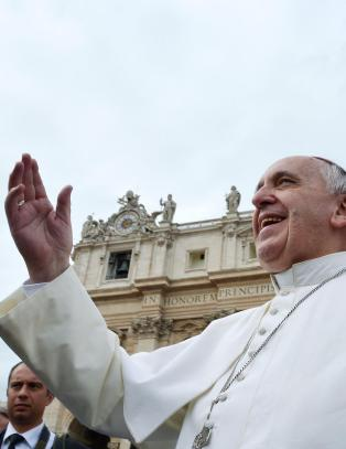 La paven slippe unna Jagland enn� en stund